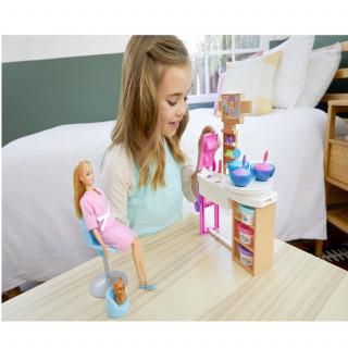 Barbie i ljubimac u spa salonu